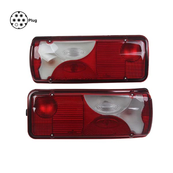 Truck lights with 7 pin plug